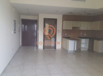 Chiller Free | Huge Size 1BR in Hamza Tower!!