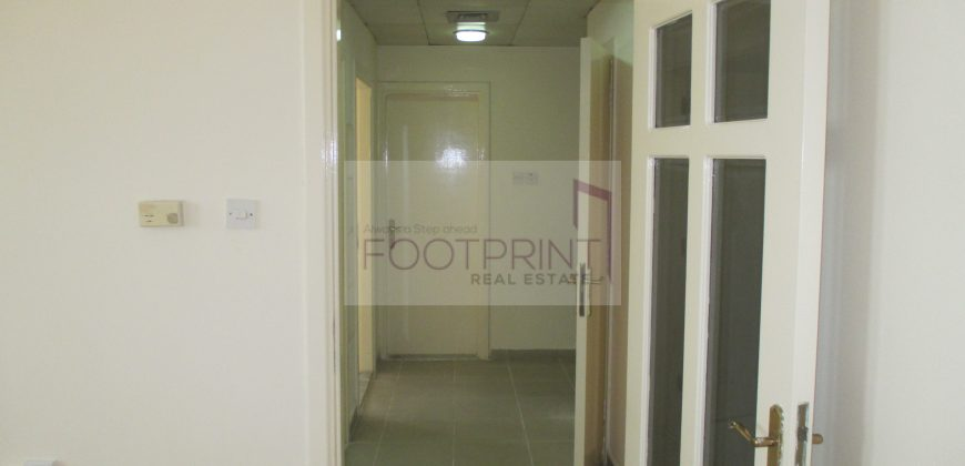 Spaciuos 1BHK Available In Touraist Club