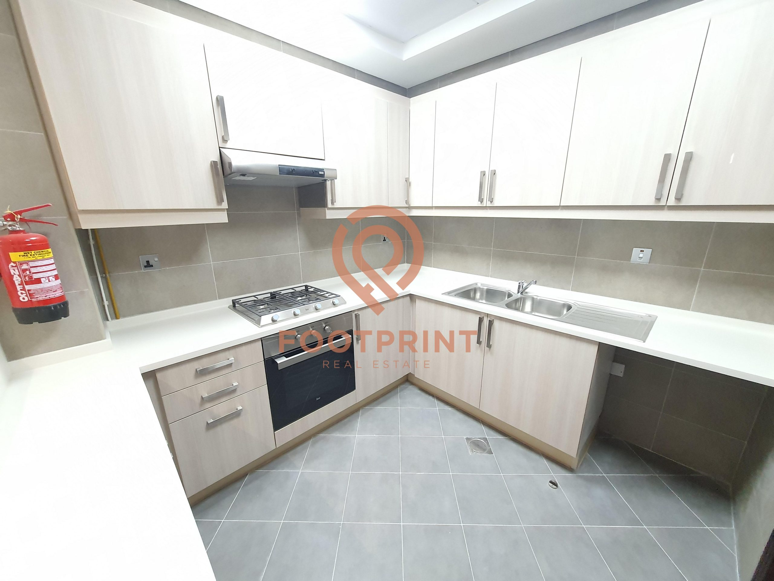 Large 1 BHK – Kitchen Equipped -Brand New