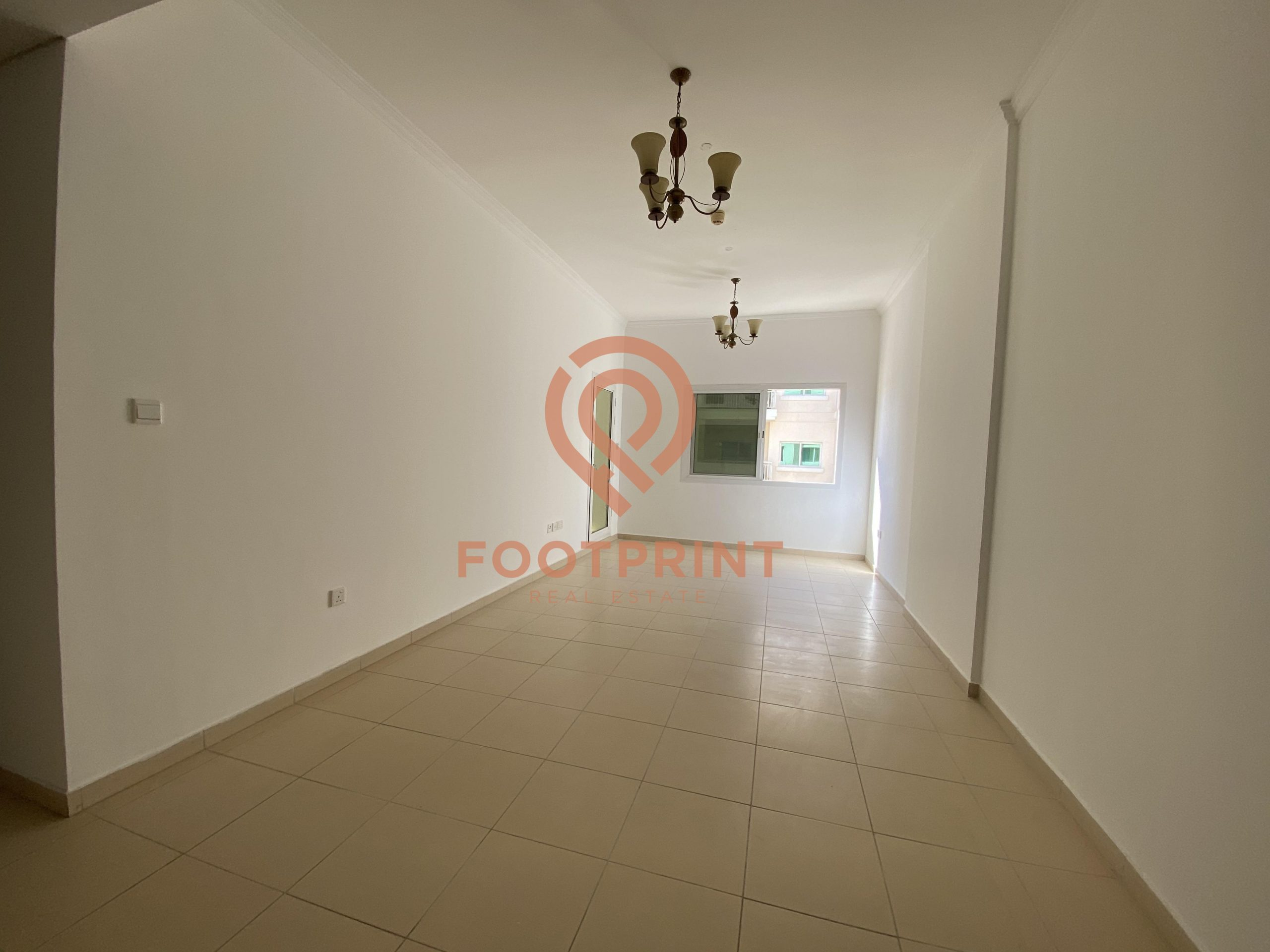 2BDRM WITH SPACIOUS LAYOUT -HIGHER FLOOR